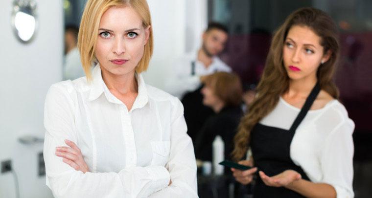 Mitarbeiter Chef Friseur Mobbing Ärger Stress