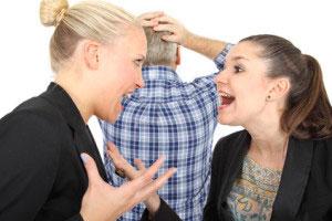 Streit schlichten Mitarbeiter Konflikt Friseursalon Ärger Stress
