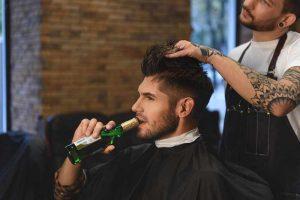 Alkohol Sekt Bier Friseursalon verboten Friseur
